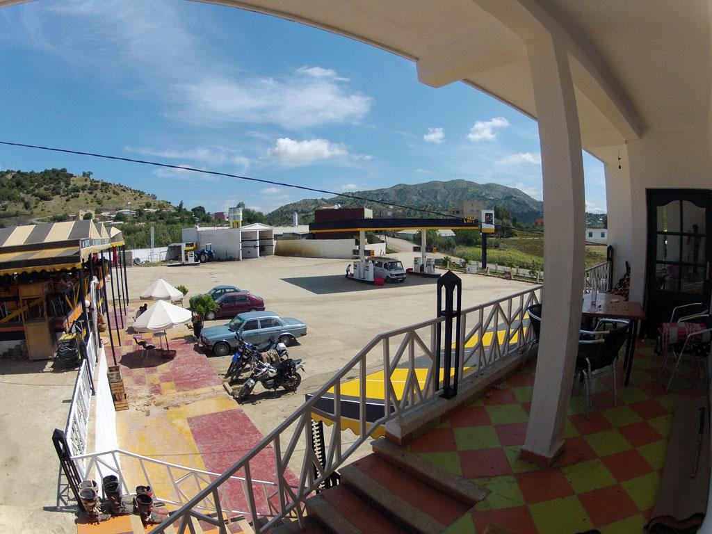 Vista desde la estación de servicio desde nuestro alojamiento.