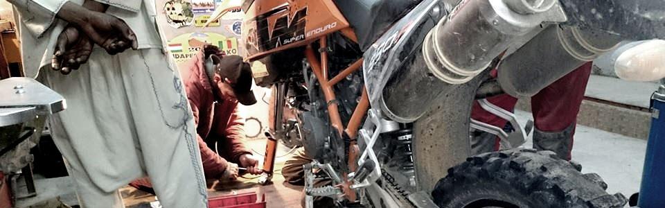 preparacion de la moto para ir a marruecos